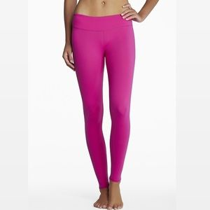 Fabletics LUENA fuschia workout leggings
